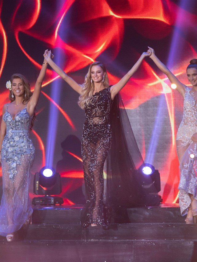 Photo of Final Evening Gown Presentation